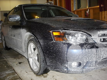 Salt remover can prevent paint damage and rusting.